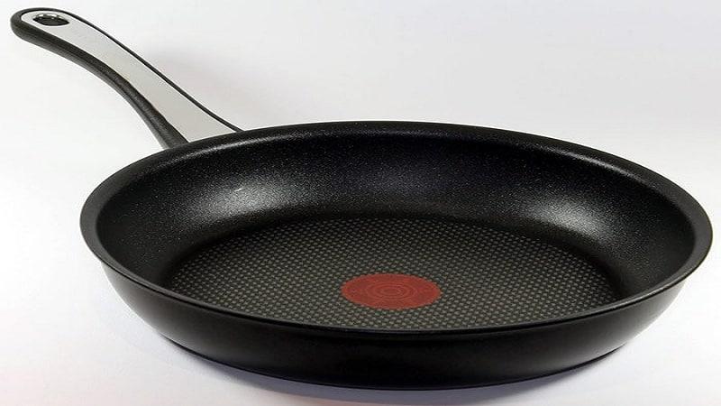 Как очистить антипригарную сковороду от нагара внутри и снаружи