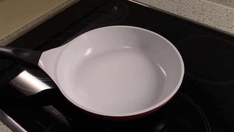 Какую керамическую сковороду взять для кухни