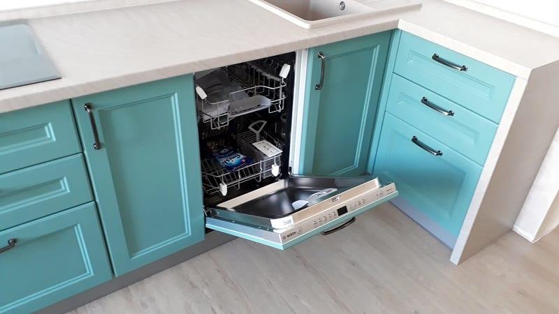 Монтаж встраиваемой посудомоечной машины в готовую кухню