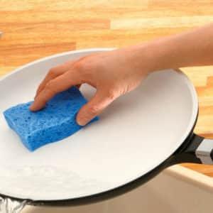 Как отмыть керамические сковородки от жира и нагара