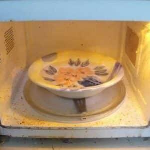 Чем можно покрасить микроволновую печь внутри, если она ржавеет