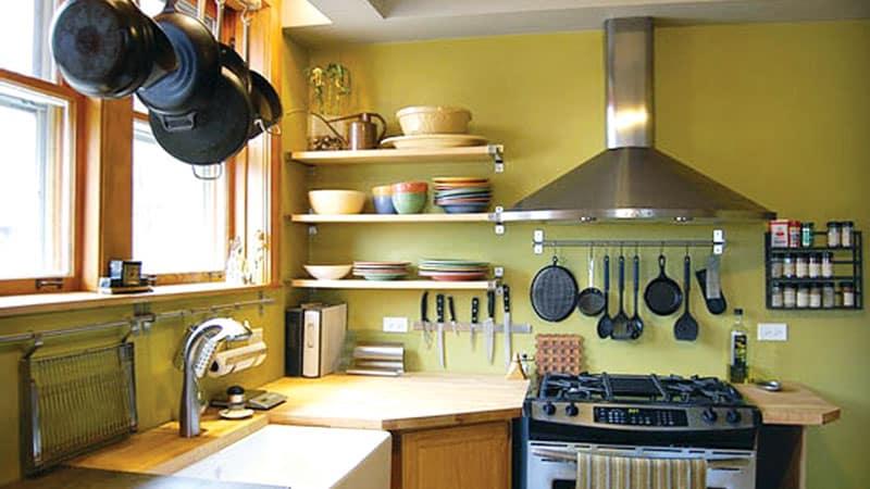Об угловой навесной полке на кухню