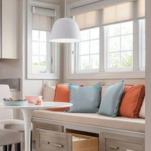 Идеи кухни и гостиной 13 кв м с диваном