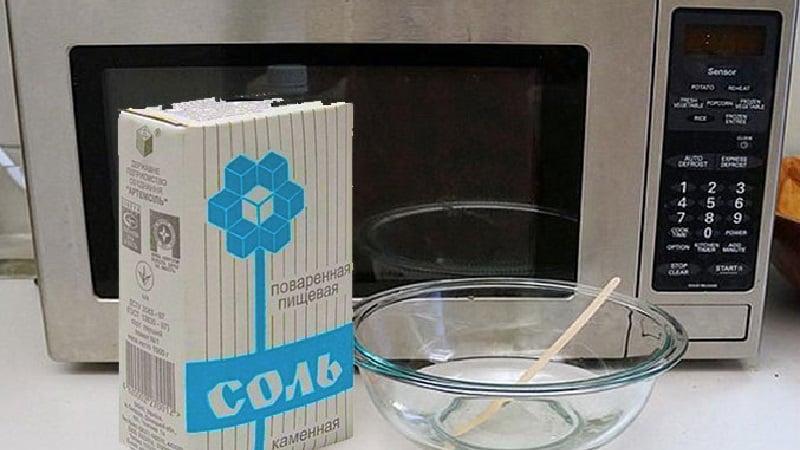 Как можно избавиться от запаха гари в микроволновой печи