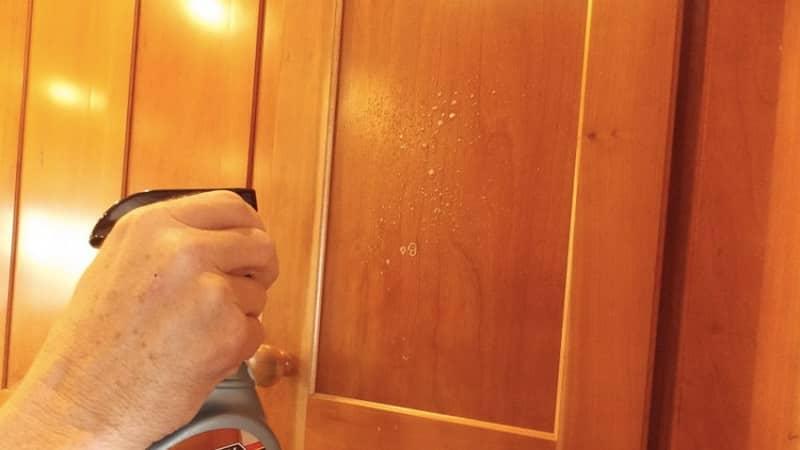 Как отмыть жир с кухонной мебели