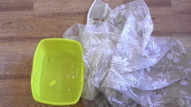 Как вывести жирные пятна с кухонной тюли