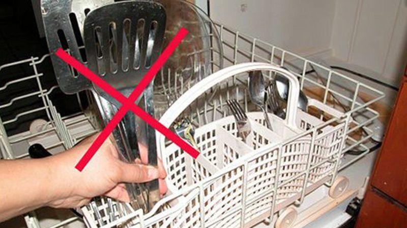 Какую посуду нельзя мыть в посудомоечных машинах