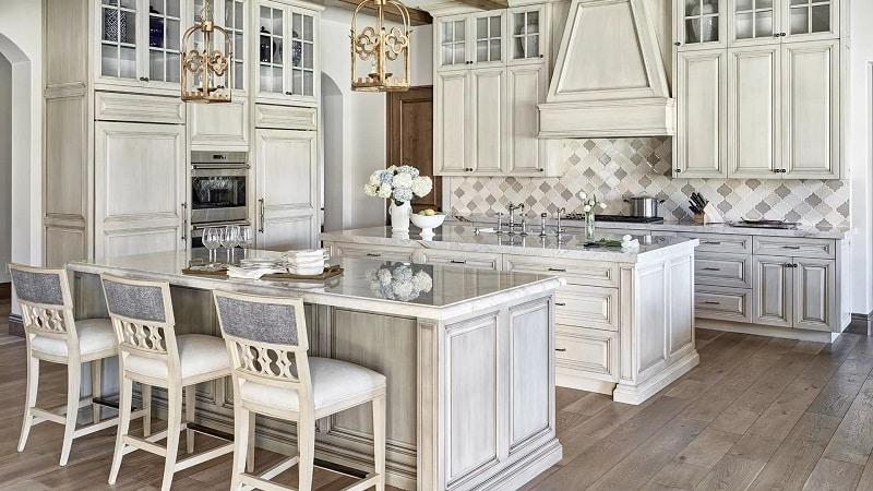 Кухонные гарнитуры в стиле Прованс, выбор обеденной группы