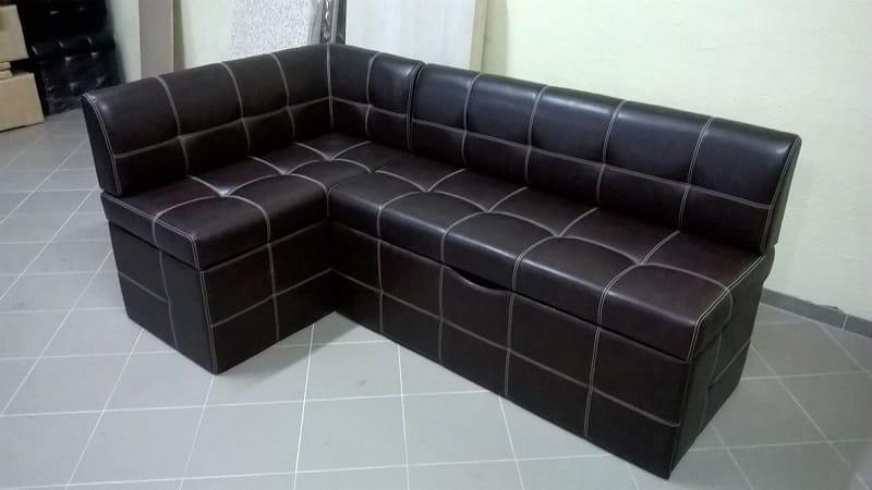 Кухонные уголки Домино: угловой диван для кухни