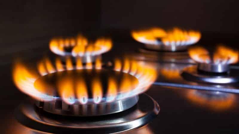 Почему пламя природного газа красное, оранжевое или желтое