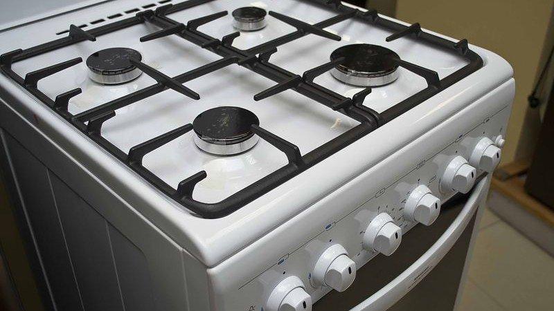 Какие газовые шланги лучше для плиты в квартире