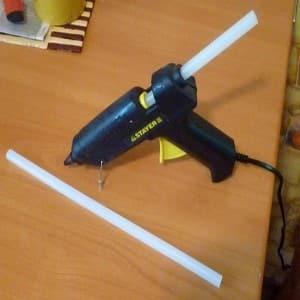 Чем заклеивать пластиковый электрочайник от протечек