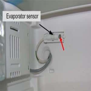 Почему у холодильников задние стенки покрываются льдом