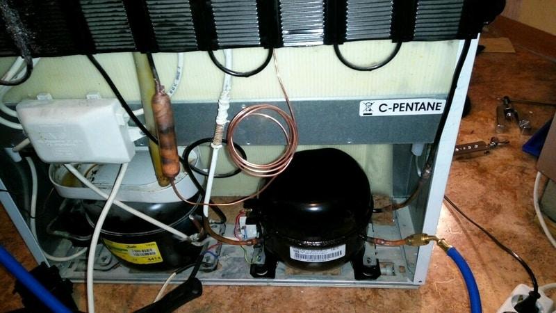 Почему компрессор в холодильнике стал горячим, причины