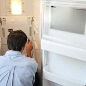 Почему холодильник стал сильно морозить, что делать