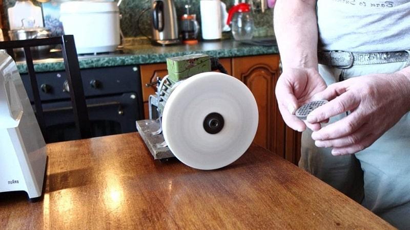 Как поточить ножик для мясорубки вручную