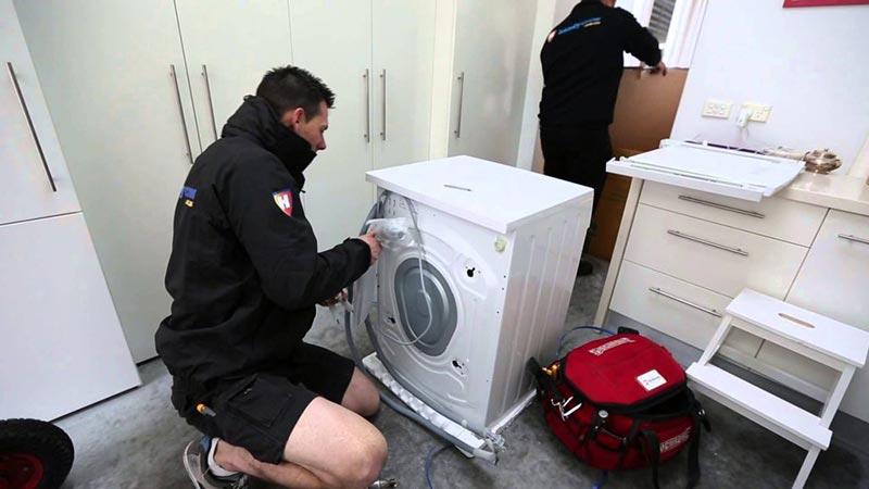 Порядок подключения стиральной машины на кухне своими руками