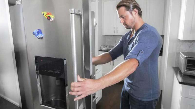 Почему дребезжат и гудят холодильники