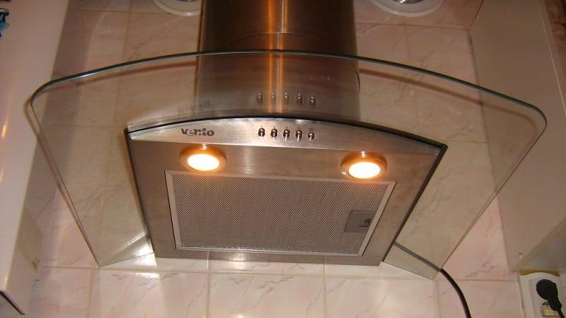 Какая потребляемая мощность у кухонной вытяжки