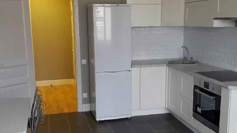 Через какое время должен отключаться и включаться холодильник