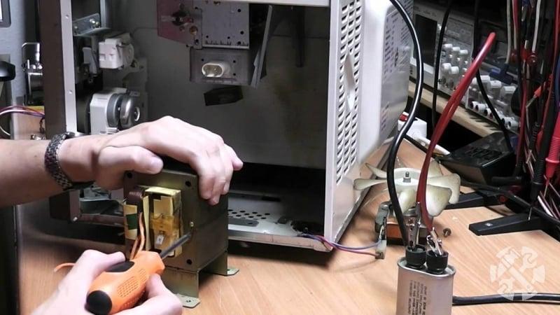 Что делать, если микроволновая печь перестала включаться